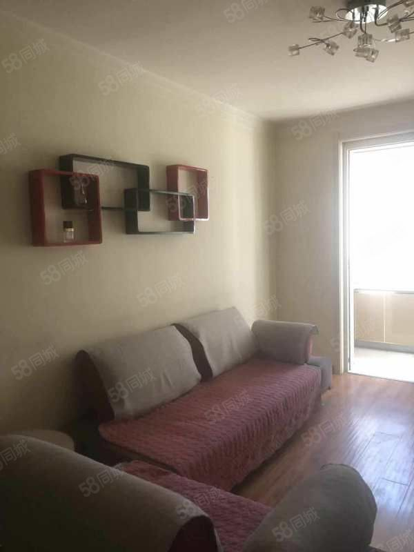 惠民小区一室一厅精装房出租,55平米,二层,一个月900元,