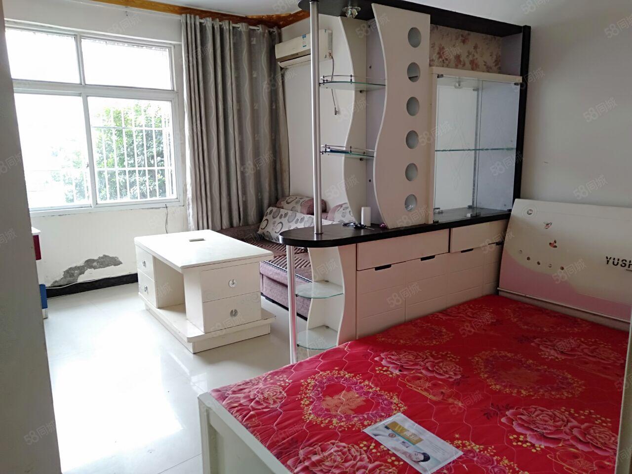 小转盘3楼2室1厅60平米精装修家具家电齐全拎包入住