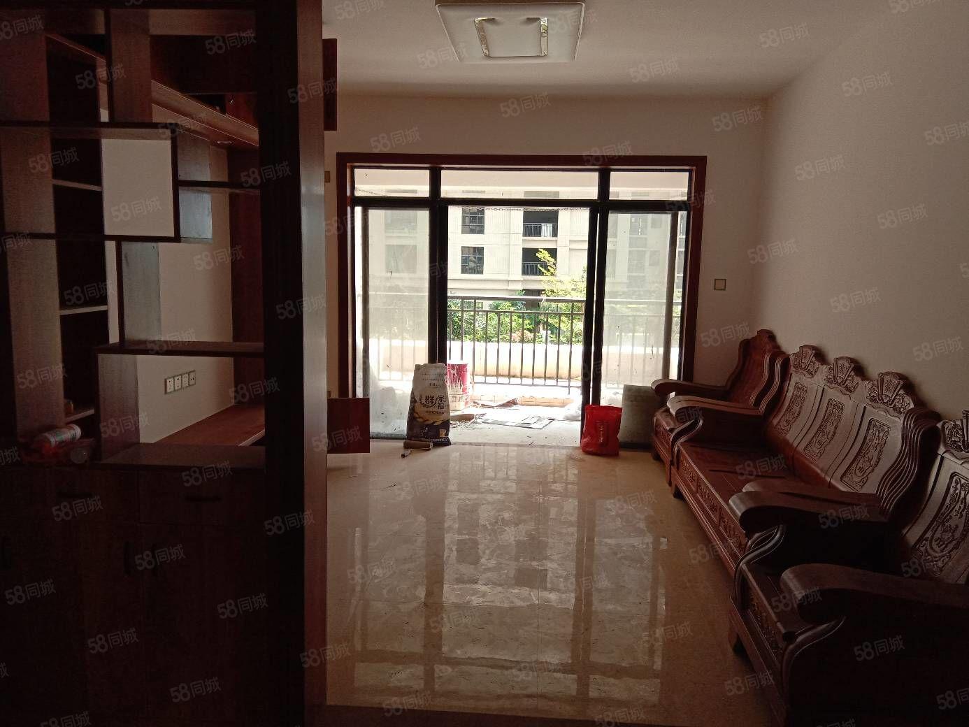 滨海绿洲四小学位精装3房南向107平方只需78万