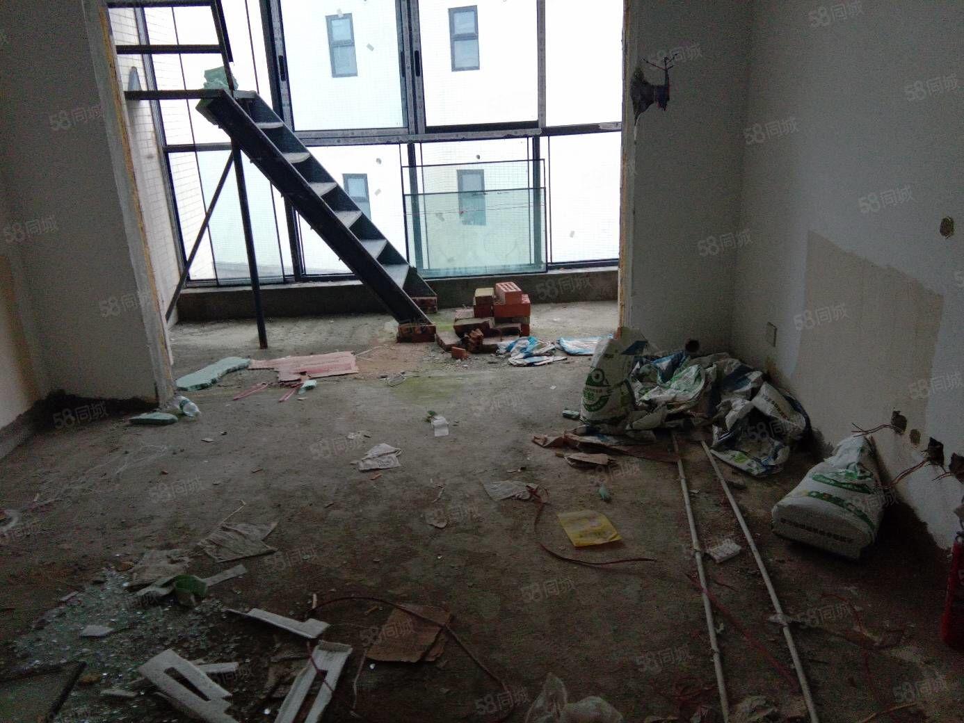电梯房送超大花园随便利用支持银行按揭商品房高档小区