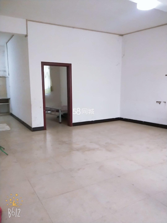 威��麒麟酒店后面1室1�d1�l