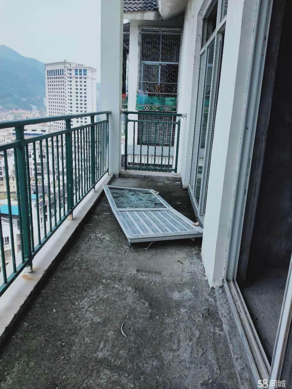 锦州B区电梯毛坯房出售