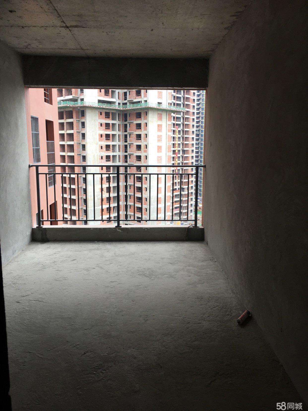 经济实用的三居室电梯房急售