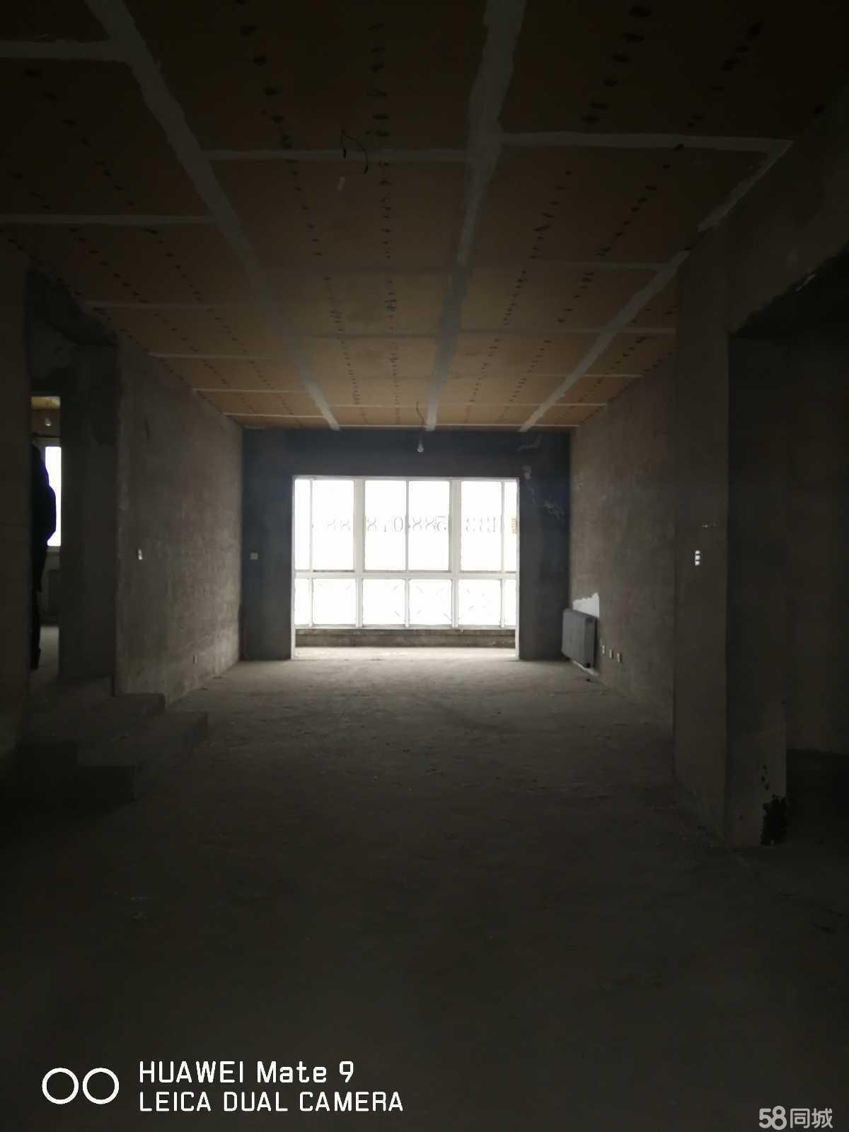 宏运翠海花园听海苑3室2厅2卫150平米(6/6层,低价出售)