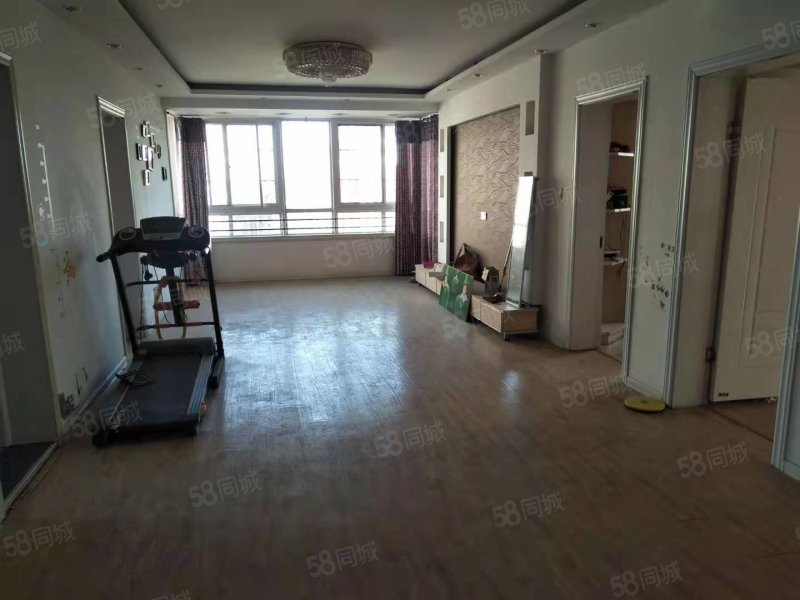 东方明珠5复6中装五室 有独立楼梯 边户采光好 满五年带平台