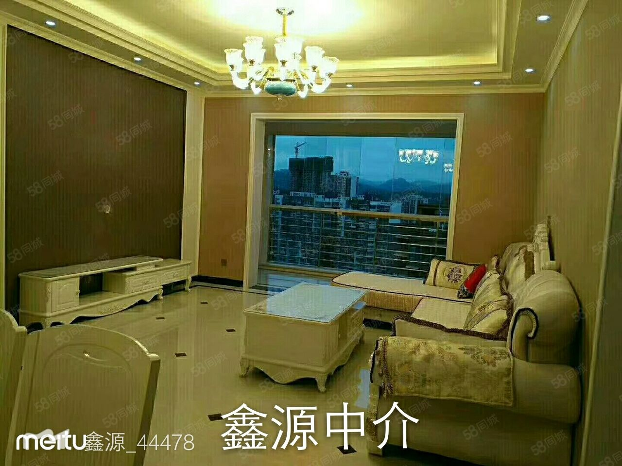 美麗新城19樓,126平米,四室二廳二衛帶家具家電