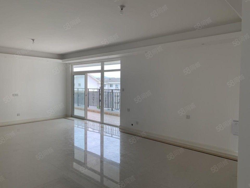 望江公馆4室2厅2卫精装修6楼104万