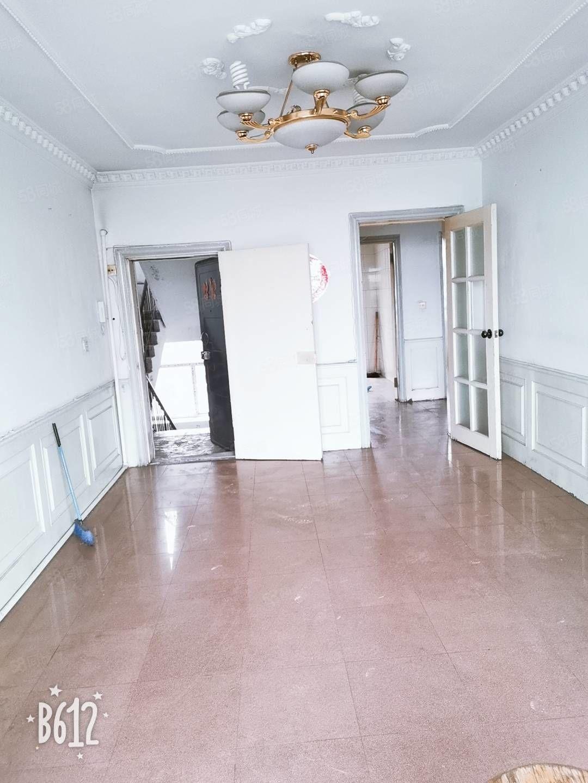 免费带看四楼两室一厅H户型27.5万82米
