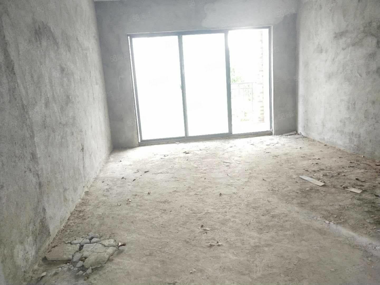 和园步梯中层 3房,南北通透 前后阳台 满5年税费低,无公摊