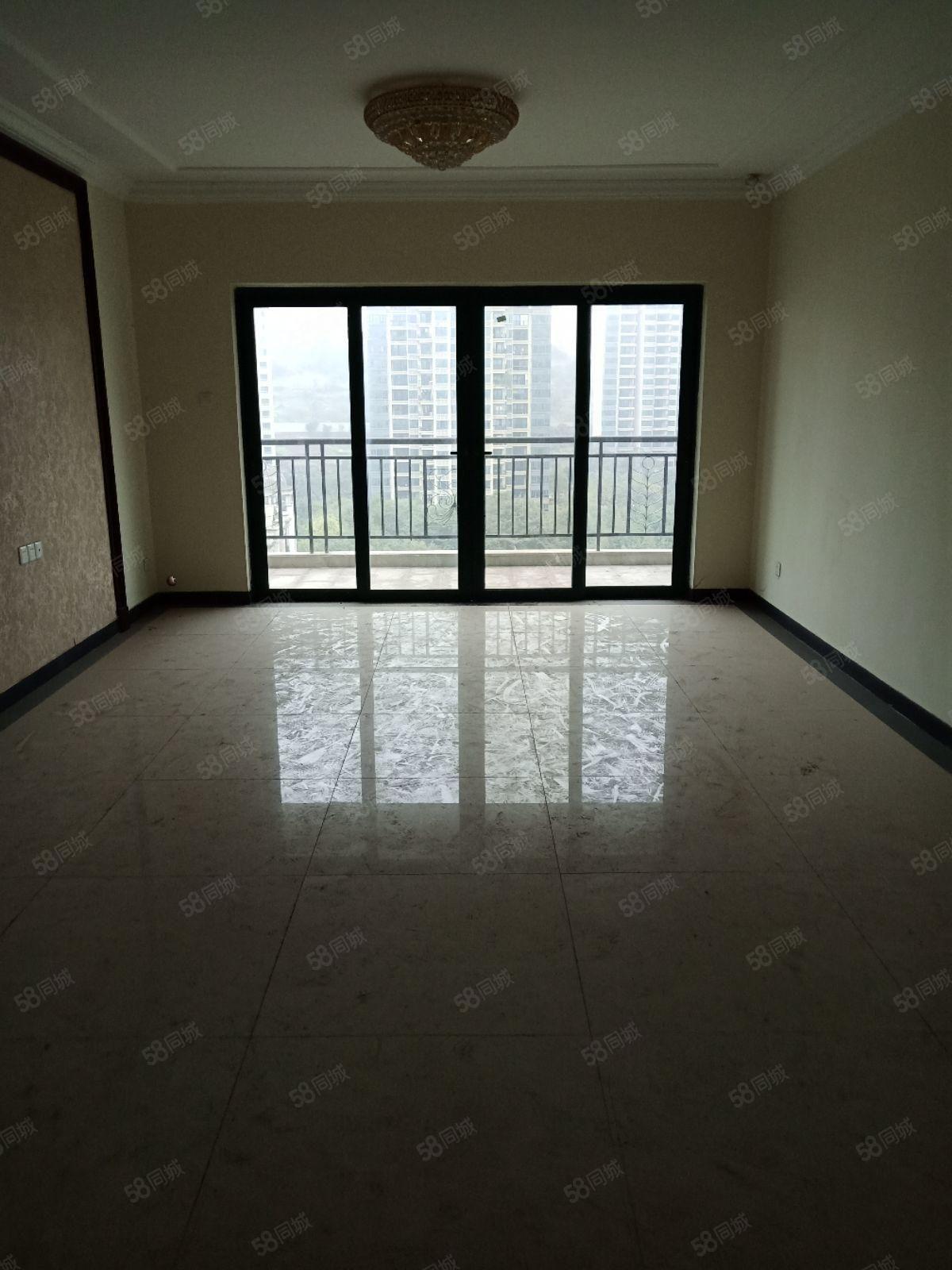 恒大山水城精装4房2厅2卫仅售5300一平先到先得