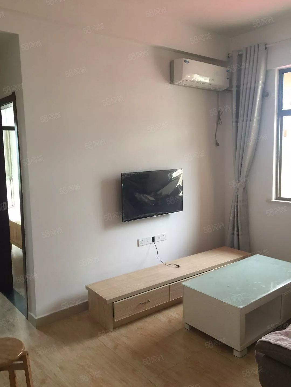 奥林匹克精装小公寓,只要拎包入住