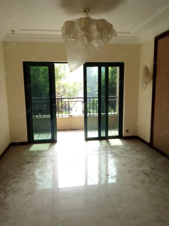环境绿化好的小区恒大精装两房位置独到随时看房