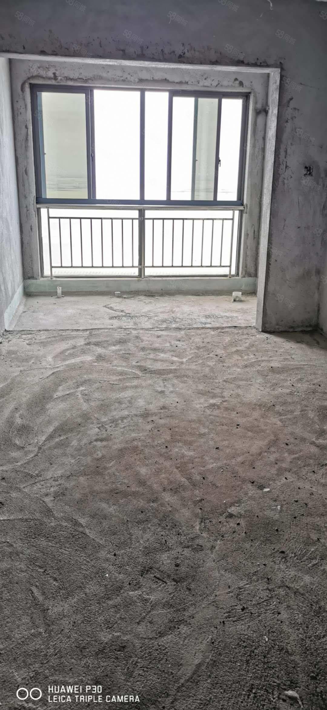 茶亭路领海天域毛坯复式楼152.78平4房2卫128万
