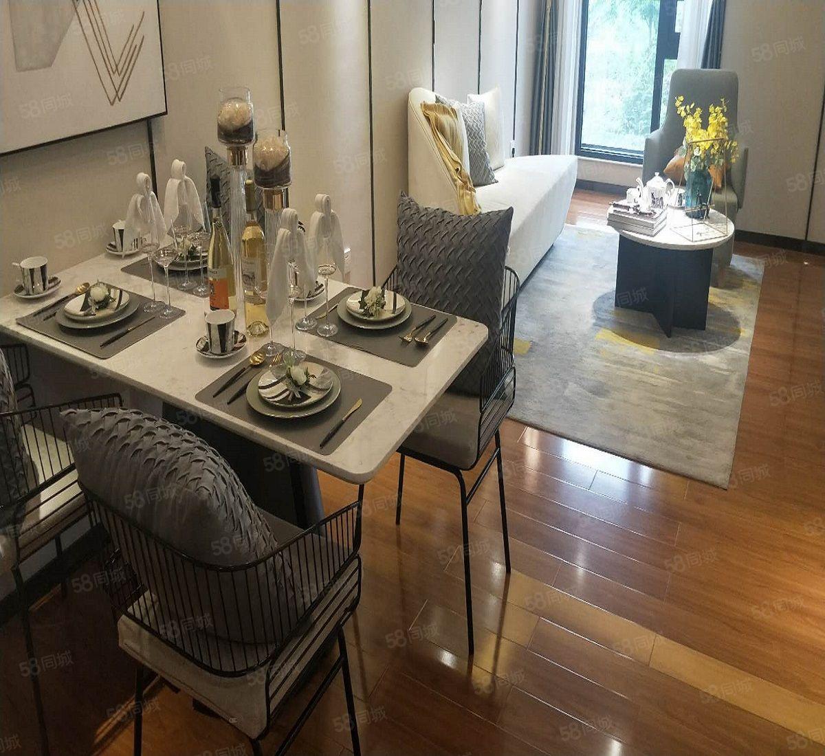 东新区圣桦名城复式公寓!户型舒适有意者联系我可享受团购价!