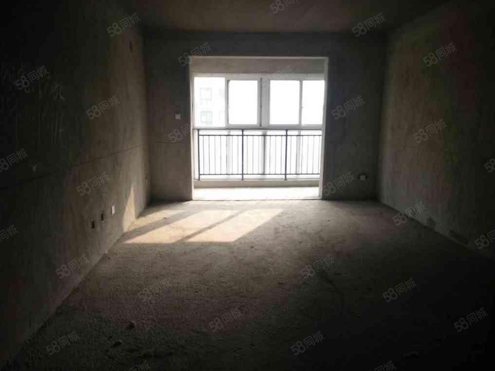 巴黎左岸电梯5楼大三房南北通透127平只要78万有证接受按揭