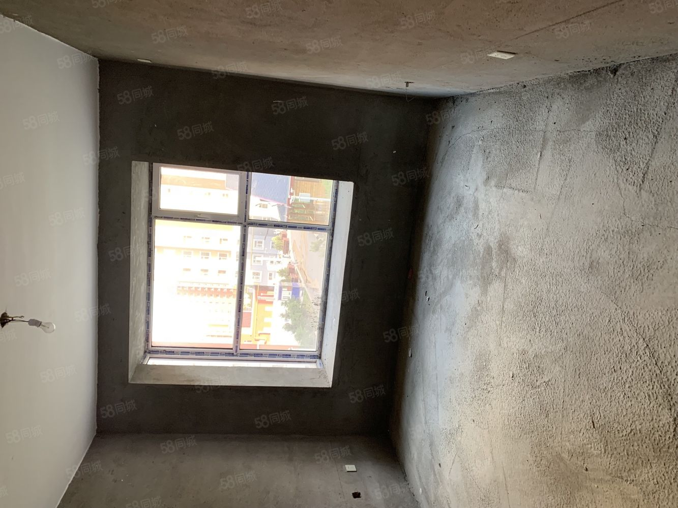 府西苑小区四楼120平米有房本地下室已装修南北通透