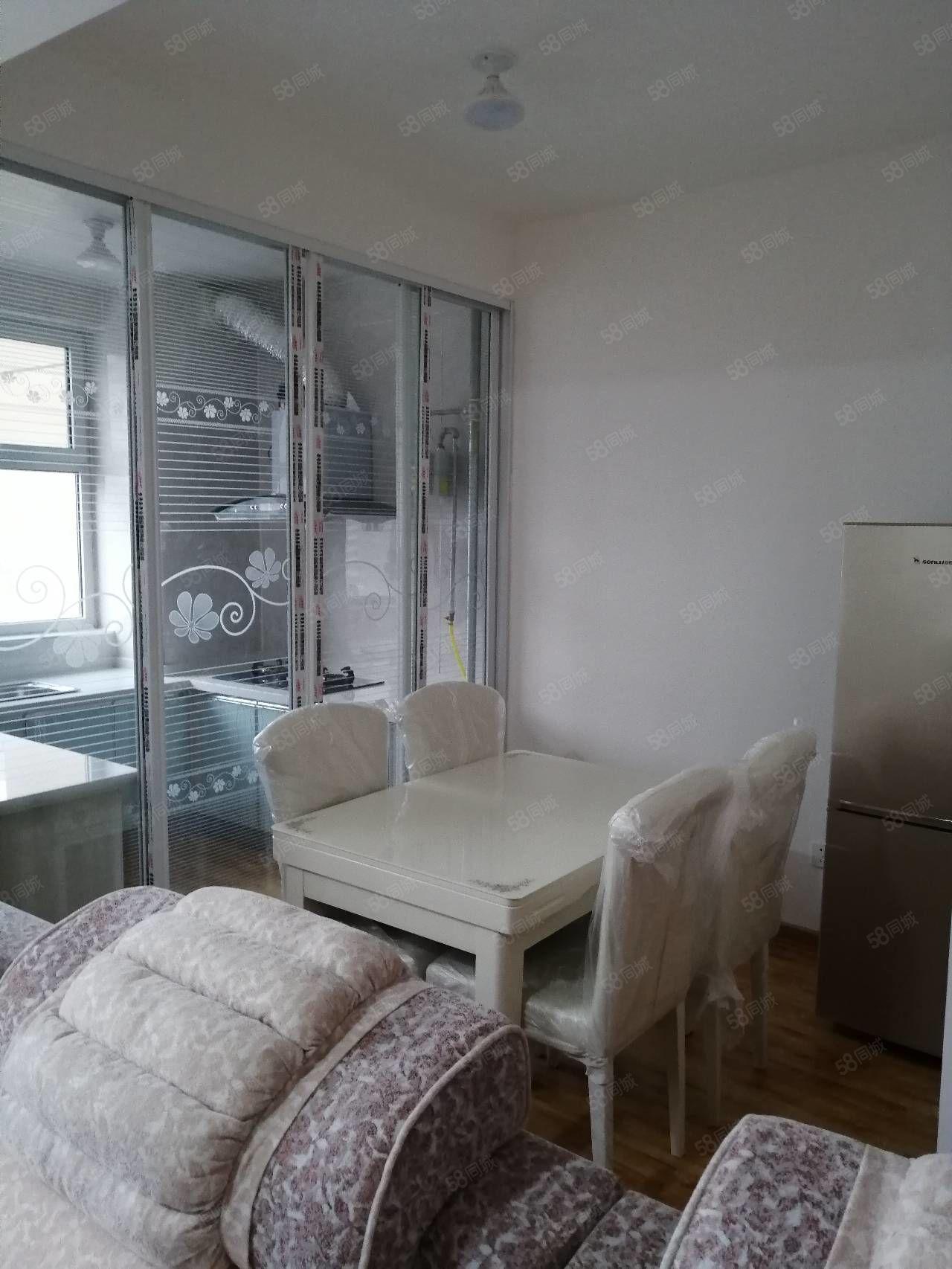 新华区东方世纪城南区二室家具家电齐全全新首次出租1600