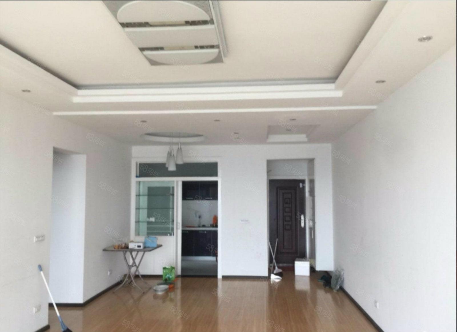 派力花园电梯精装修大3室有2阳台可按揭停车方便