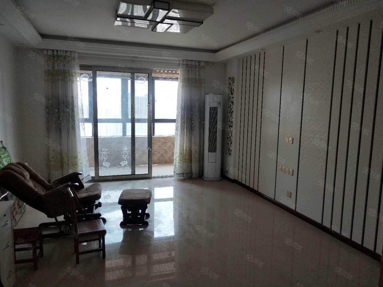 盛世名門高層126平三室兩廳精裝修兩證齊全可按揭貸款111萬