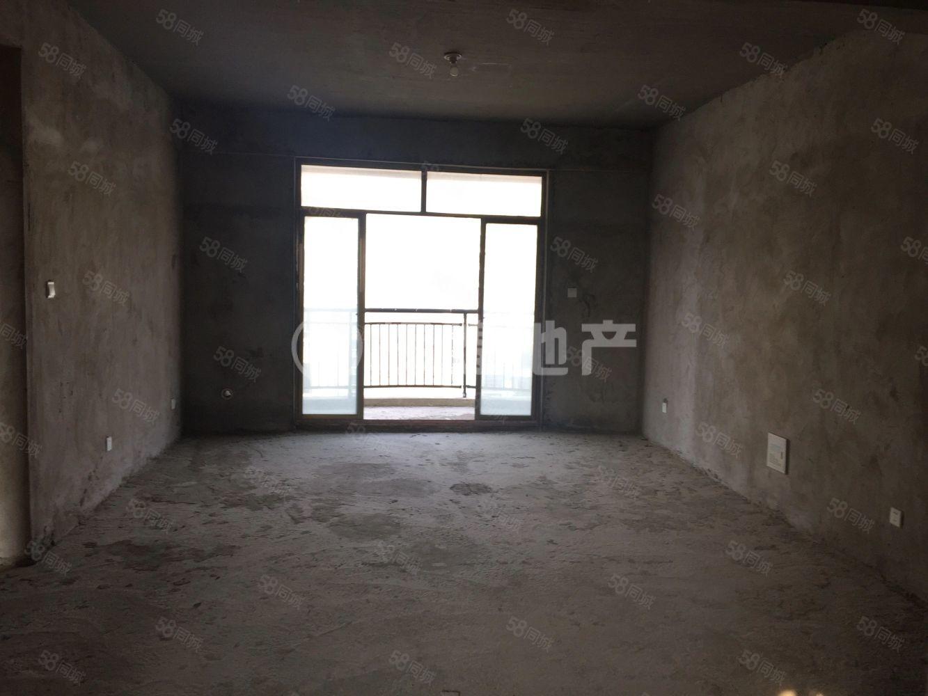 各位请往这看,好房出售!泛华新城毛坯三居,手续齐全可按揭