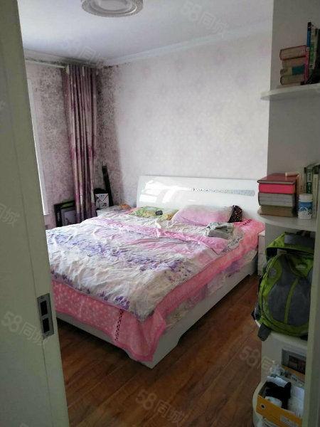 一幼家属院好房子急售产证齐全可按揭随时看房子位置好