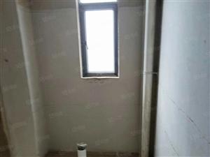 龙湖二期出售.4室2厅2卫.156平米