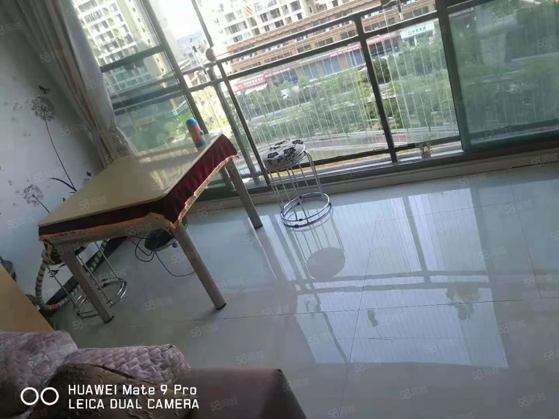 夢樂城6棟兩室一廳出租,拎包入住.有陽臺