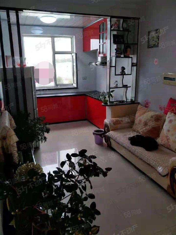 朝阳明珠步梯楼中等装修房子干净立正拎包入住两室一厅