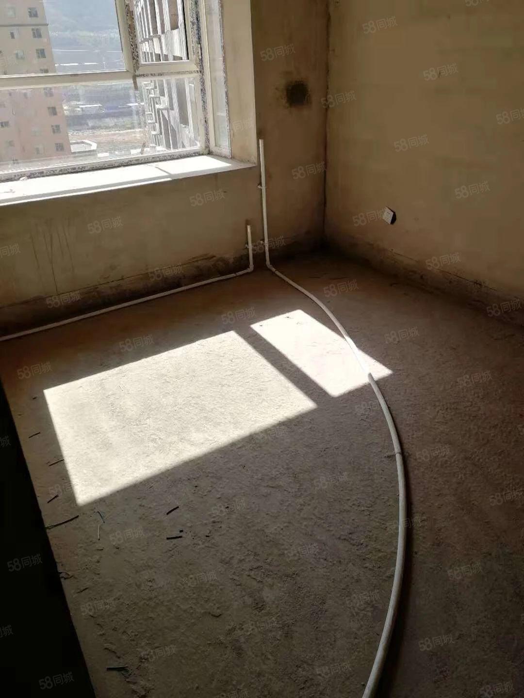 庄浪县南城区福居花苑二期一手新房急售,价格便宜,位置优越