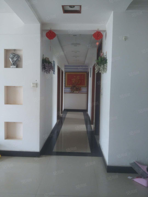 億隆國際城二期4室2廳2衛158平簡裝