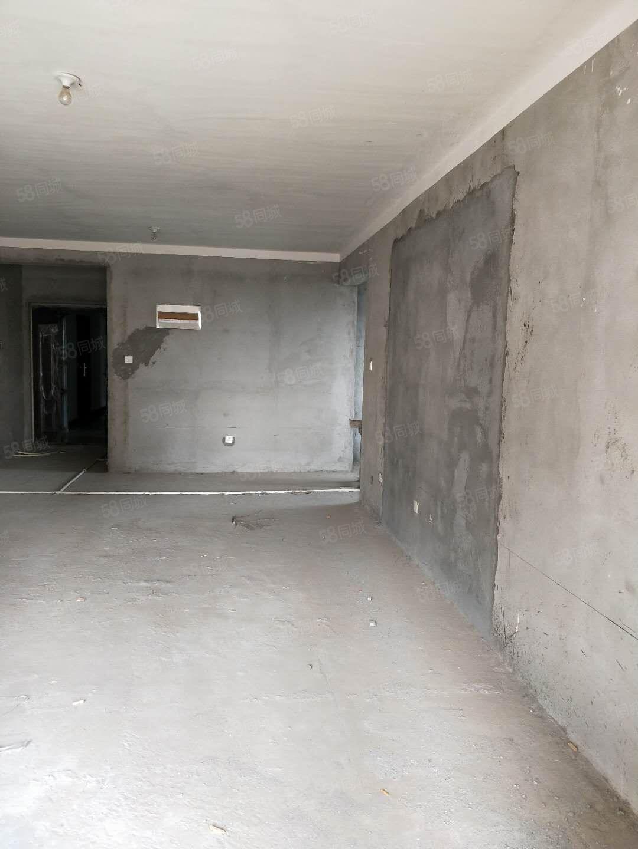 新加坡19楼三室两厅两卫双气有证可按揭