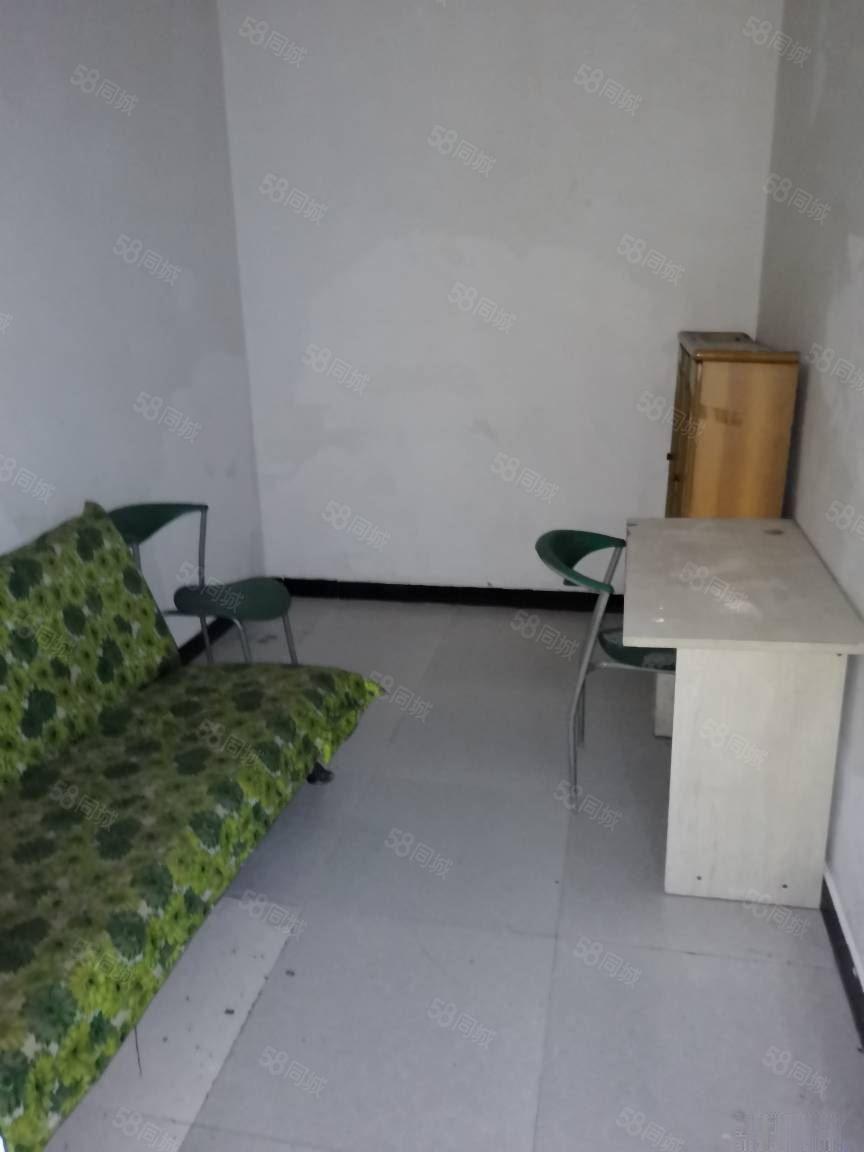 龙马大道商会大厦电梯中装小三室读玉带河