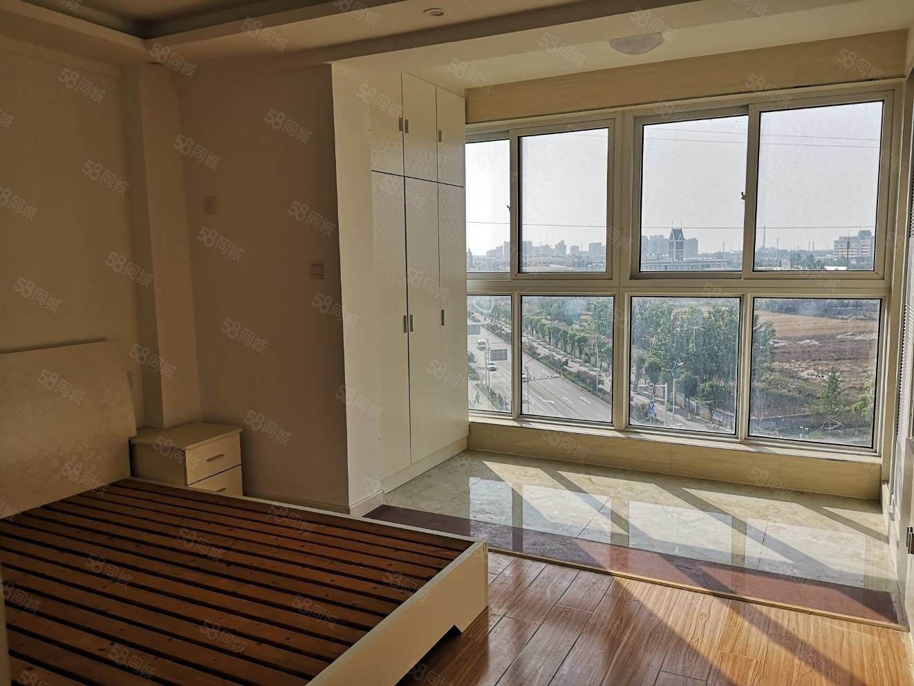 东城一品精装小2房新装修未入住,产证齐全随时看房