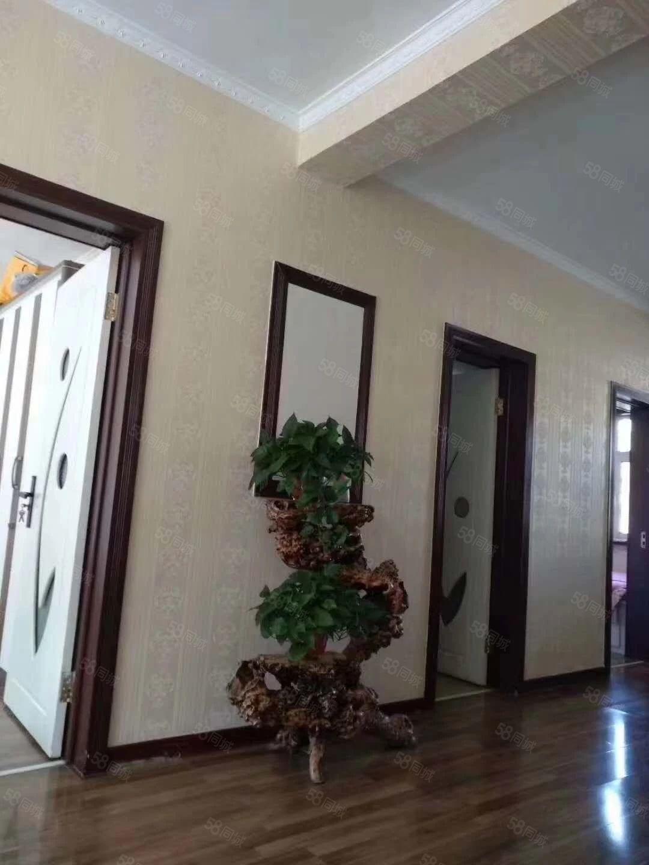 富强小区,步梯四楼,42万,户型好,价格不贵。