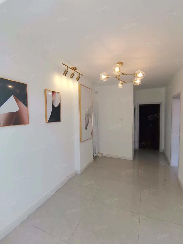 铁路新村2楼1室1厅37平米36.2万,精装修未入住