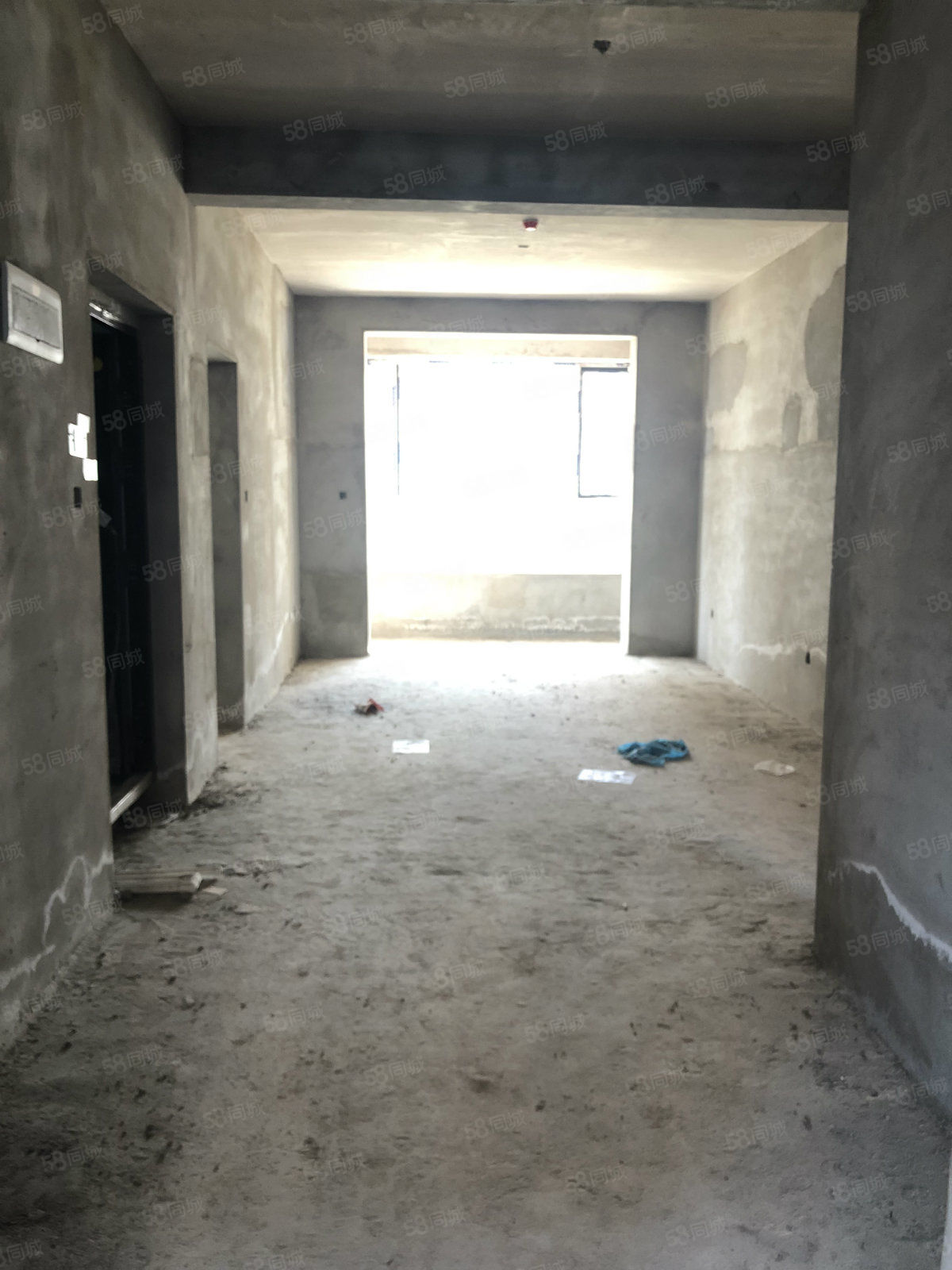 �匙�x秀豪庭104平米包后期41�f元南北通透2居室