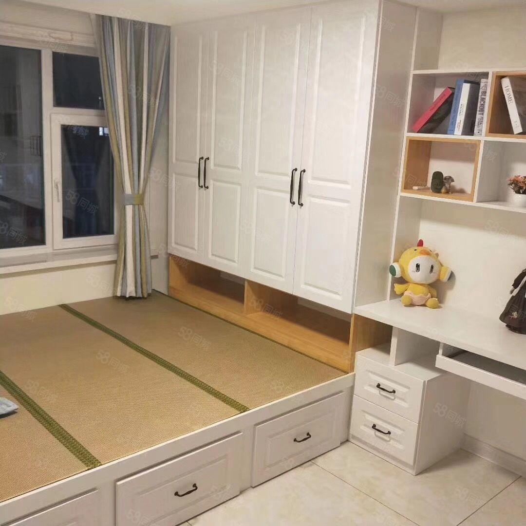 宏達二期,精裝二臥室全新裝修拎包入住隨時看房,,,,,