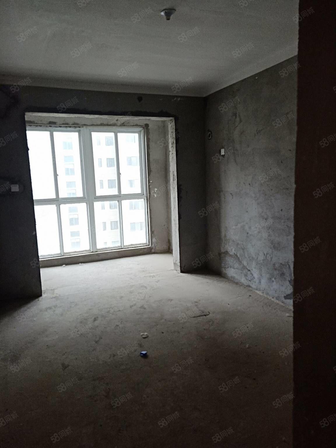 奧泰克中央公館三室兩廳電梯洋房,毛坯給你大的裝修空間,證兩年