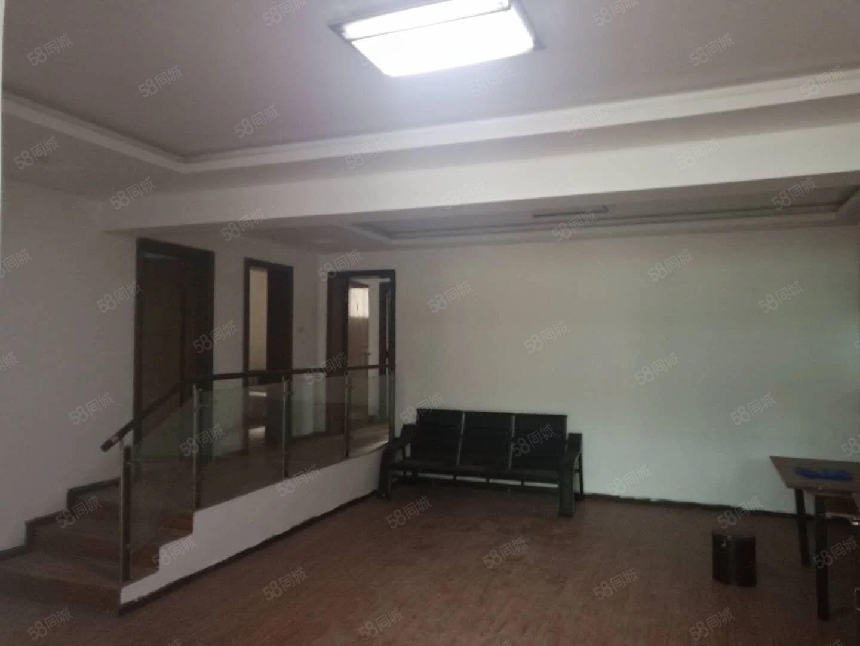 金滩移动公司对面步梯三楼四室两厅两卫出租