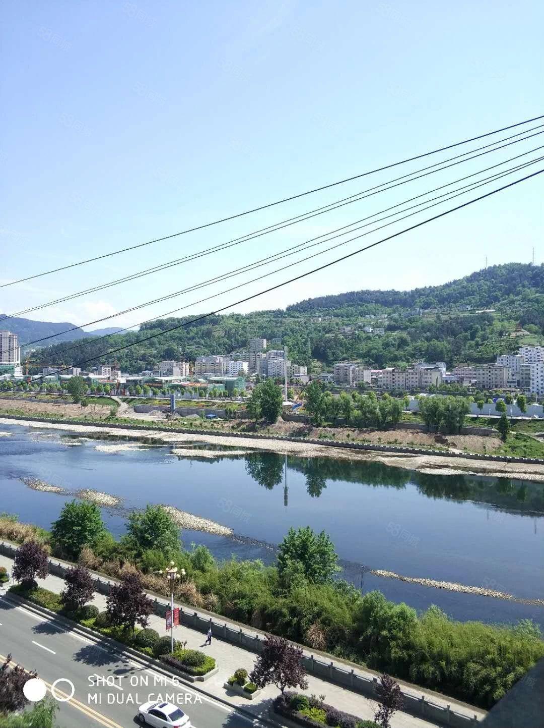 竹山河提《自来水公司》楼上两室简装82平河景房寻找有缘人