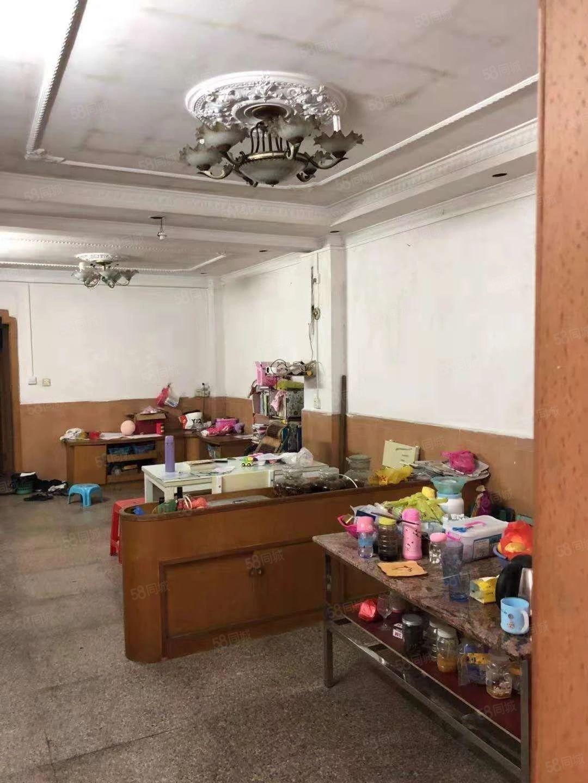 市区兴业广场附近步梯三房,邓小学位房,实用面积大,可贷款