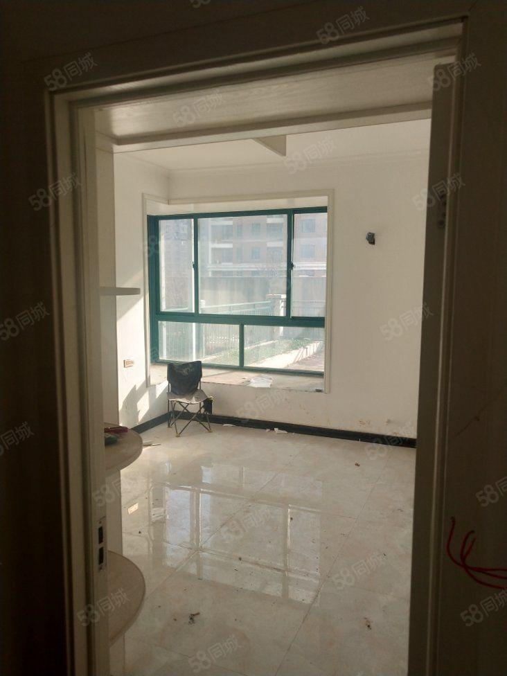 融辉城二期超大平台3室2厅2卫精装房