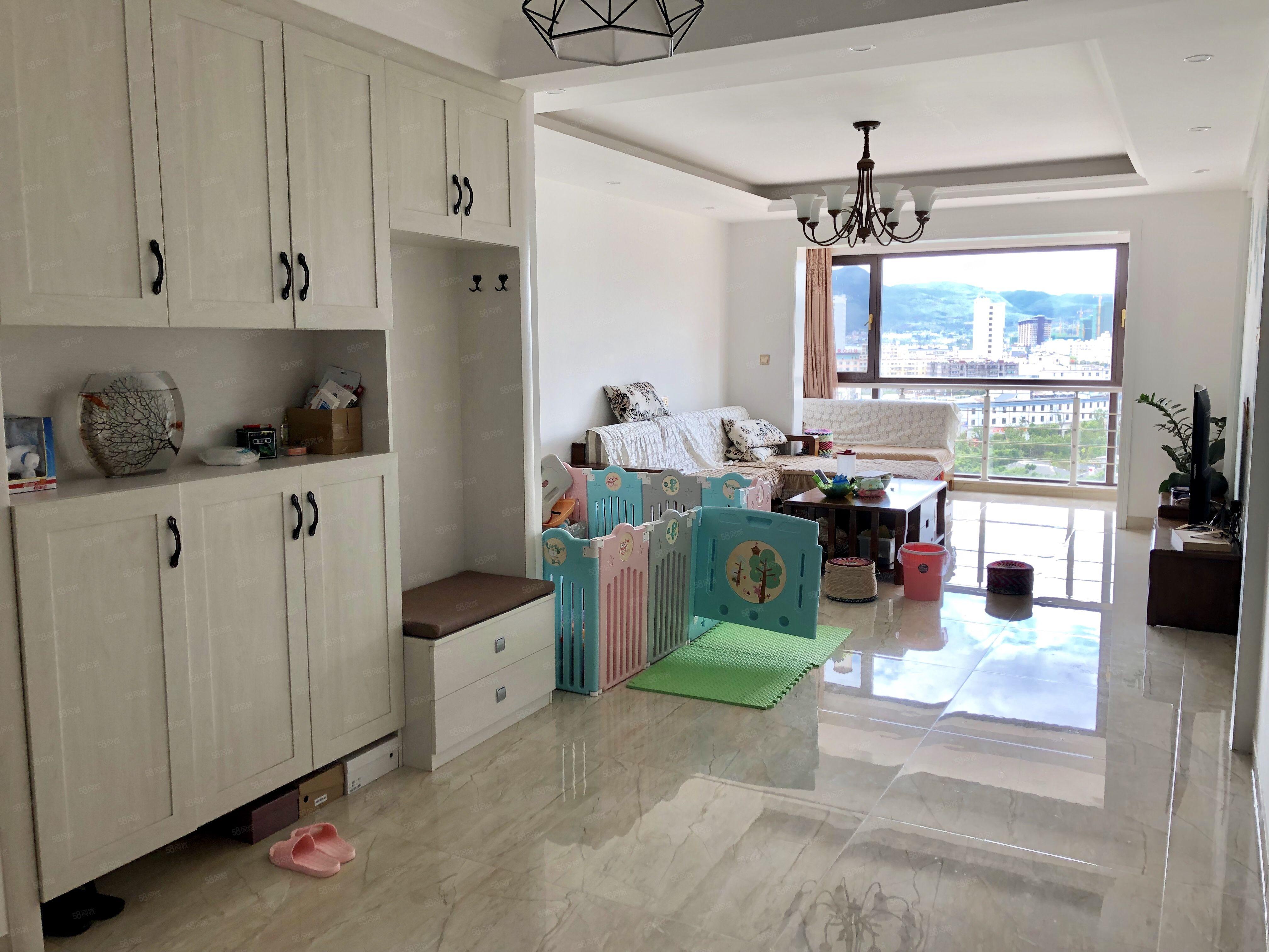 急售龙旺湖城精装修好房带家具家电可以看到整个江川