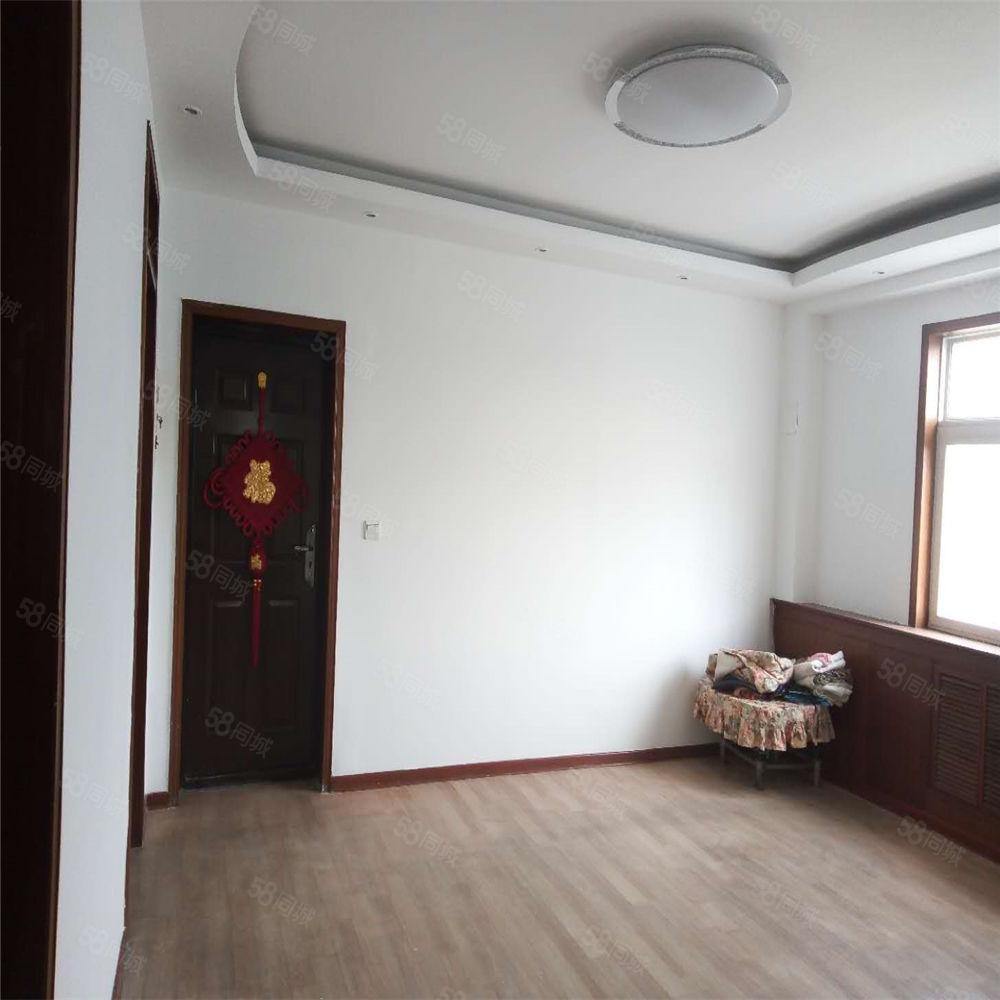 登峰小區精裝大三室超低價