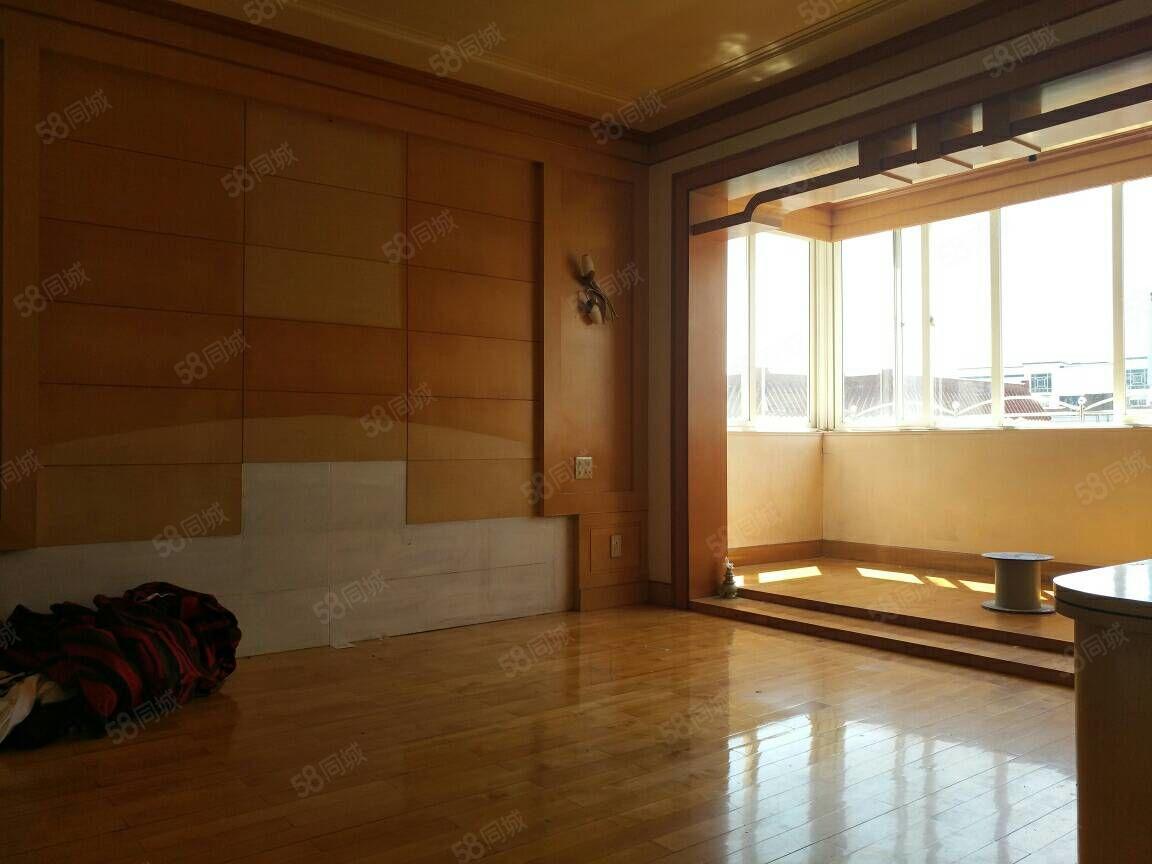坎门建州路复式套房价格98万,4室2厅3卫,南北通透拎包即住