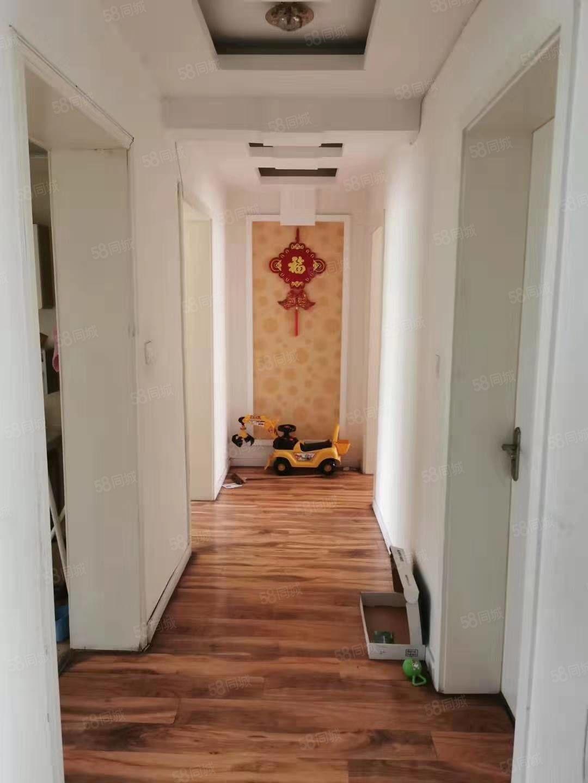 出售杭州湾一楼118平,3室2厅2卫精装,南北通透,可分期