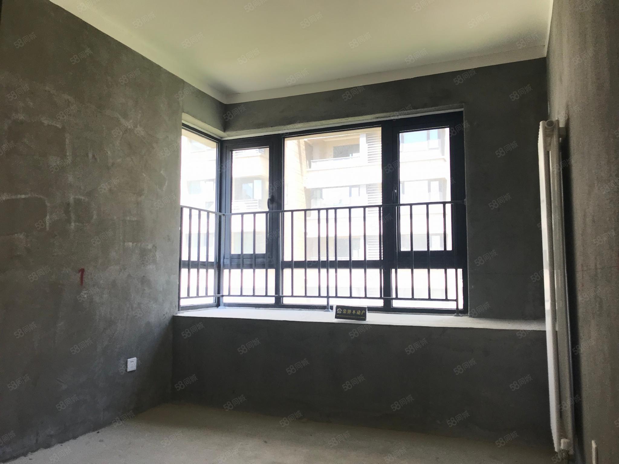北港地鐵口正弘中央公園南北通三室送大飄窗房東急售看房隨時