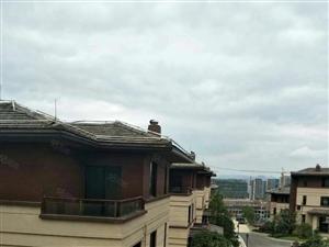 仁山公园独栋别墅,直接更名,免过户费,两个车库,三楼一低