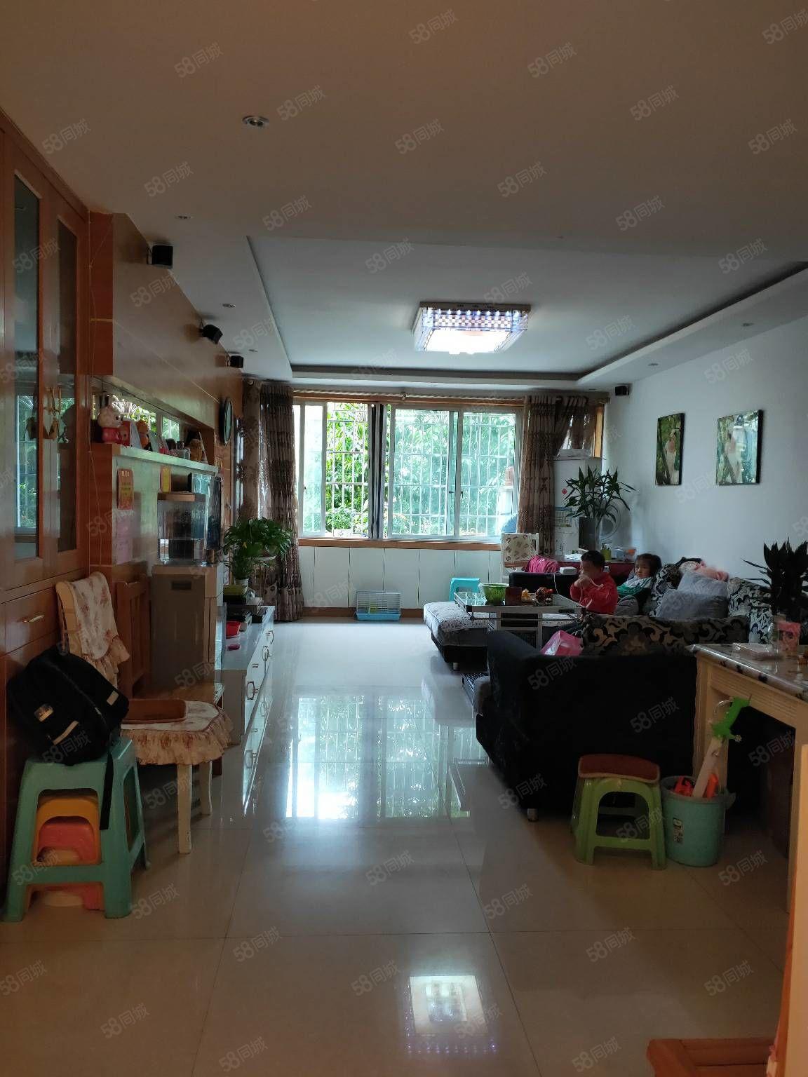 出售龙里中兴嘉园2楼119平精装3室2厅2卫台售价58.6万