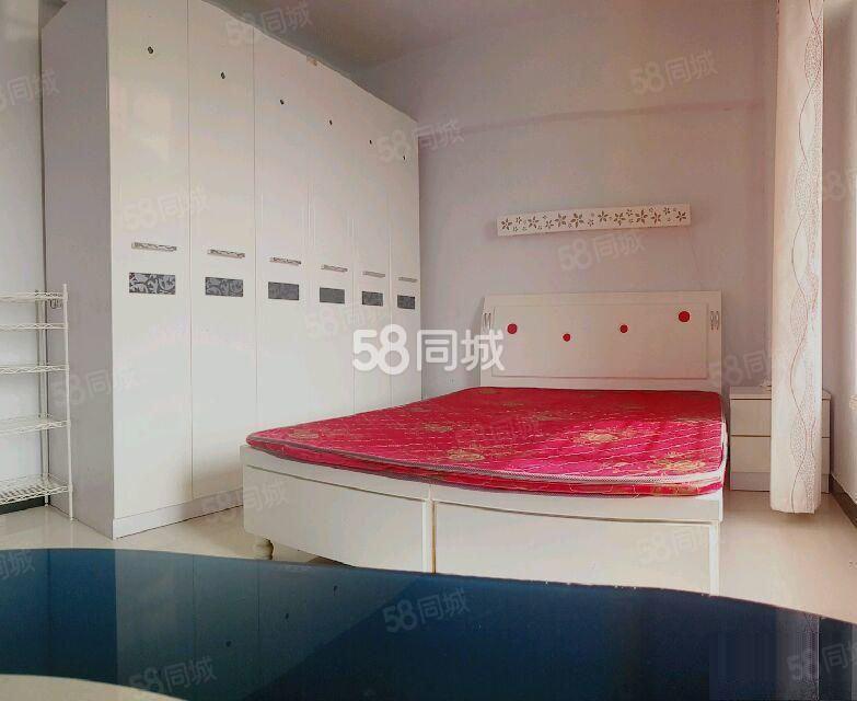 东景国际名苑一室带厅精装修家私全齐拎包入住随时看房